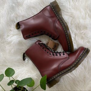 NWT Dr. Martens 1460 airwear red leather boots